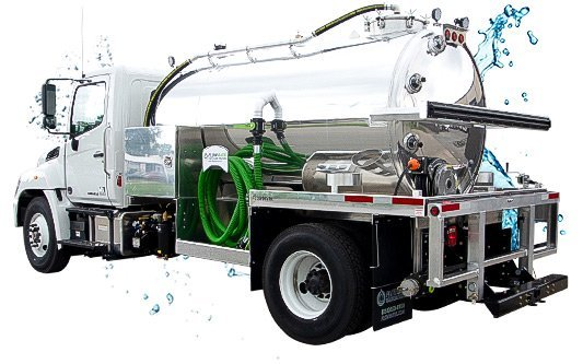 2000 vacuum truck white cab with water splash
